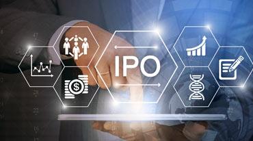 homem aponta ícones de IPO